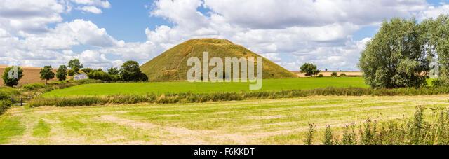 Silbury Hill, Avebury, Wiltshire, England, United Kingdom, Europe. - Stock Image