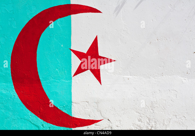 Algeria, Tipaza Wilaya, Cherchell, Tunisian flag on a mural in the old town - Stock Image