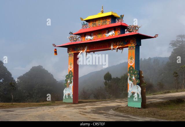 Entrance portal to a Buddhist temple on Dochula Pass, Bhutan, South Asia - Stock Image