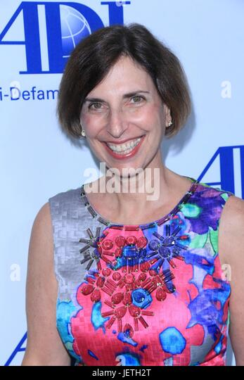 Anti-Defamation League entertainment industry dinner honoring Bill Prady - Arrivals  Featuring: Amanda Susskind - Stock-Bilder