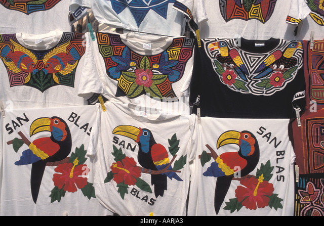 Panama San Blas Islands Cuna Indians Molas t shirts for sale - Stock Image