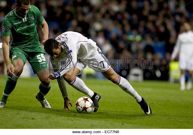 SPAIN, Madrid: Real Madrid's Portuguese forward Cristiano Ronaldo and Ludogorets´s Defender player Georgi - Stock Image