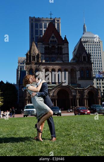 Couple Kissing in Copley Square, Boston, USA - Stock Image