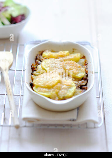 Duck and apple and potato Parmentier - Stock Image