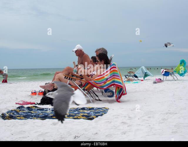 Beachgoers Stock Photos Amp Beachgoers Stock Images Alamy