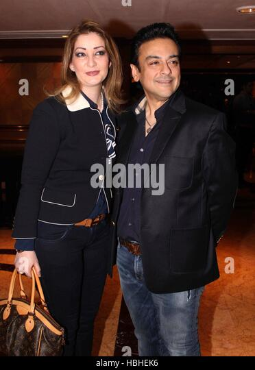 Bollywood singer Adnan Sami Zeba Bakhtiyar during the launch of music album Raunaq A R Rahman Kapil Sibal, in Mumbai - Stock-Bilder