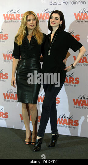 Anne Hathaway and Kate Hudson at The Premiere of Bride Wars in Berlin