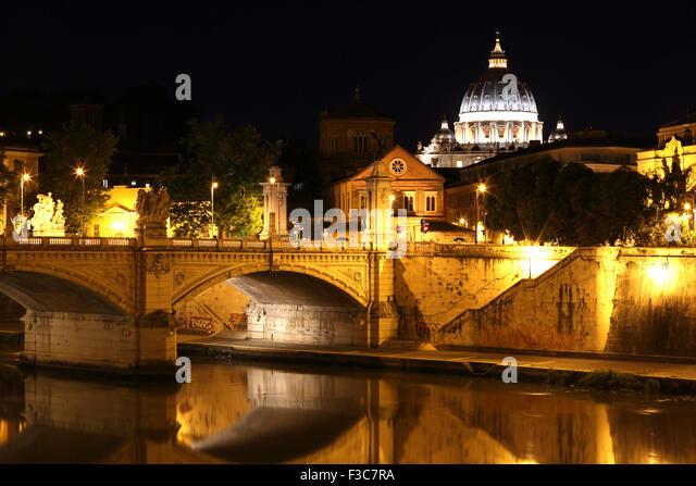 Ponte Vittorio Emanuele leading across the Tiber River to the Vatican. - Stock Image