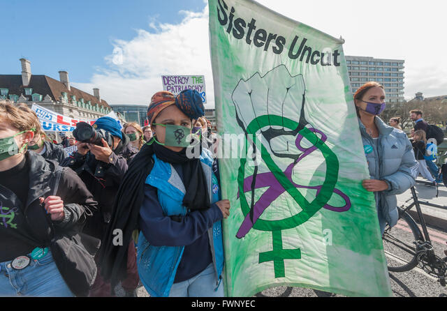 London, UK. 6th April, 2016. Sisters Uncut on the 'Bursaries or Bust' march with the nurses across Westminster - Stock Image