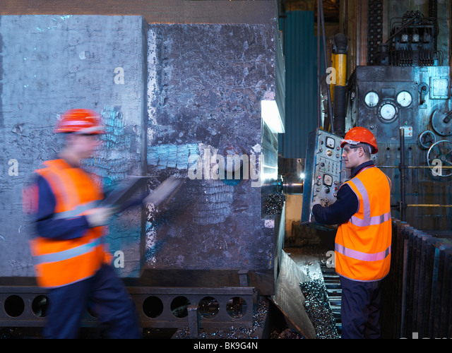 Engineers Working With Forged Steel - Stock-Bilder