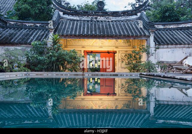 The Sou Heng Tai teakwood Chinese house, Bangkok, Thailand - Stock-Bilder