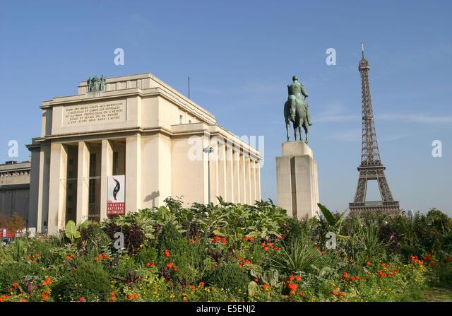 Jardin du trocadero stock photos jardin du trocadero for Aquarium de paris jardin du trocadero