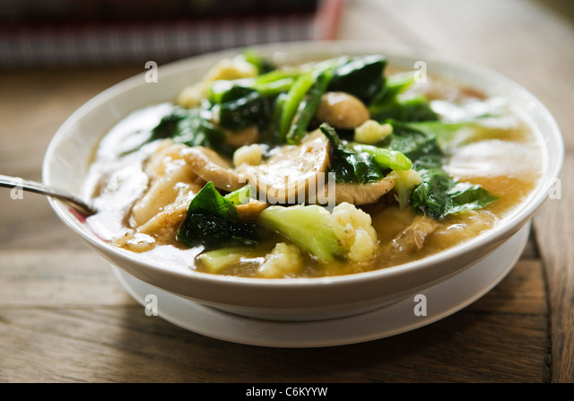 Chicken and vegetables with rice noodles - Stock-Bilder