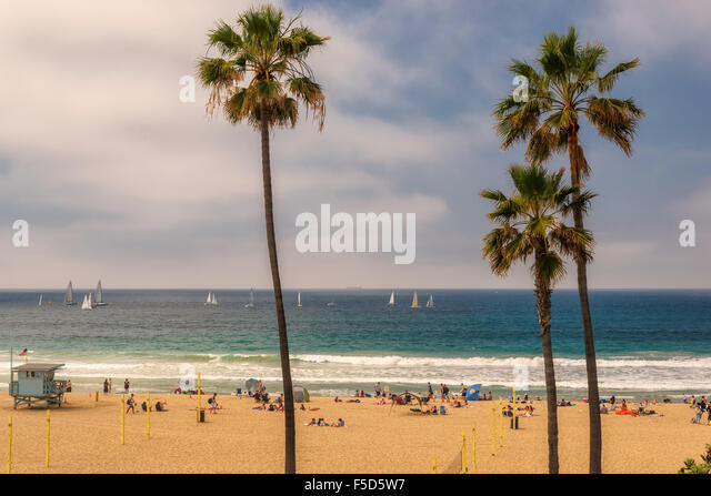 People enjoy in the Manhattan Beach, Southern California, Los Angeles. - Stock Image