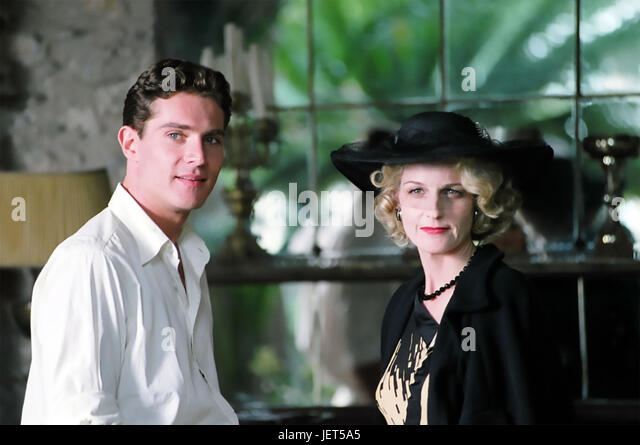 A GOOD WOMAN 2004 Lions Gate Entertainment film with Helen Hunt and Tom Wilkinson - Stock-Bilder