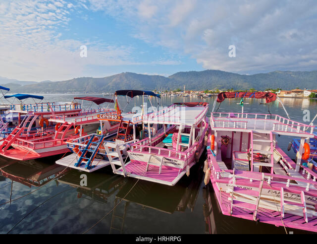 View of the colourful boats in Paraty, State of Rio de Janeiro, Brazil - Stock-Bilder