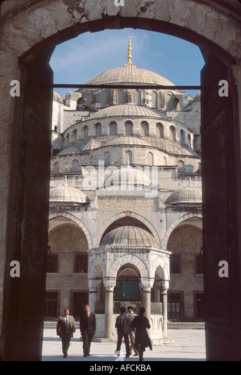 Turkey Istanbul Sultanahmet Blue Mosque built 1616 famous for 6 minaret blue iznick tiles entrance to courtyard - Stock Image