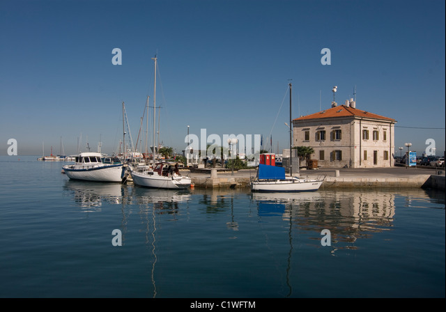 slovenia-harbor-of-koper-with-boats-and-