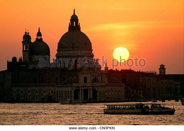 Basilica San Marco silhouette against sunset, Venice, italy - Stock-Bilder