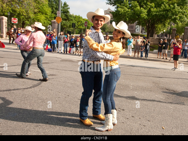 Young members of student Ballet Folklorico perform dance  traditional Norteño clothing from Northern Mexico - Stock Image