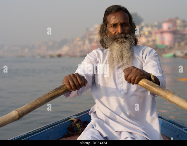 Sadhu holy man on the banks of the Ganges River - Varanasi, India - Stock Image