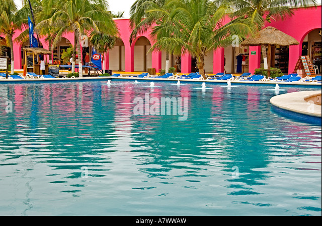Puerto Costa Maya Mexico shopping mall swimming pool - Stock Image