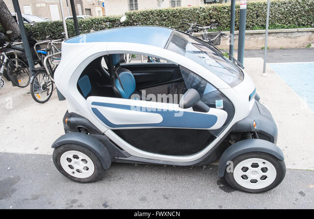 the renault twizy electric car stock photos the renault twizy electric car stock images alamy. Black Bedroom Furniture Sets. Home Design Ideas