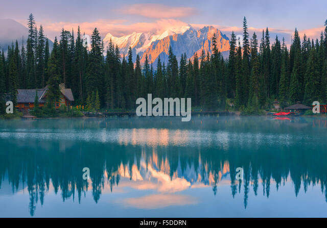 Sunrise Emerald Lake in Yoho National Park, British Columbia, Canada - Stock Image