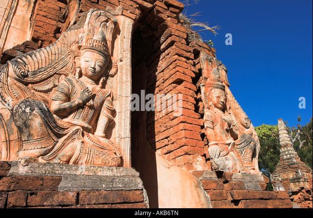 Myanmar (Burma), Shan State, Inle Lake, Indein, Nyaung Ohak Monastery (Under the Banyan Trees monastery) - Stock-Bilder