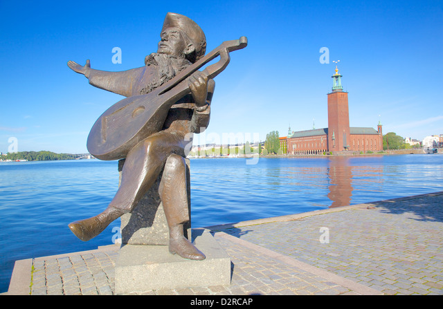 The City Hall and Evert Taube statue, Kungsholmen, Stockholm, Sweden, Europe - Stock Image