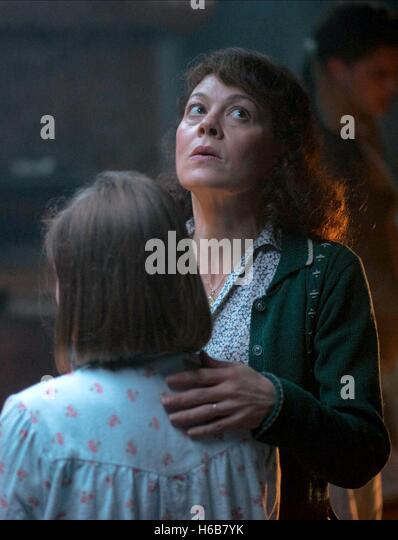mc crory women Add video add image helen elizabeth mccrory (born 17 august 1968) is a british actress she portrayed cherie blair in both the 2006 film the queen and the 2010 film the special relationship.
