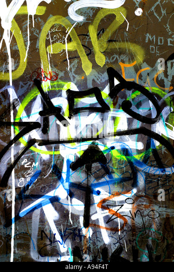 is graffiti art or crime Graffiti: street art &ndash or crime a group of south london graffiti artists were  jailed last week for up to two years for defacing public property.