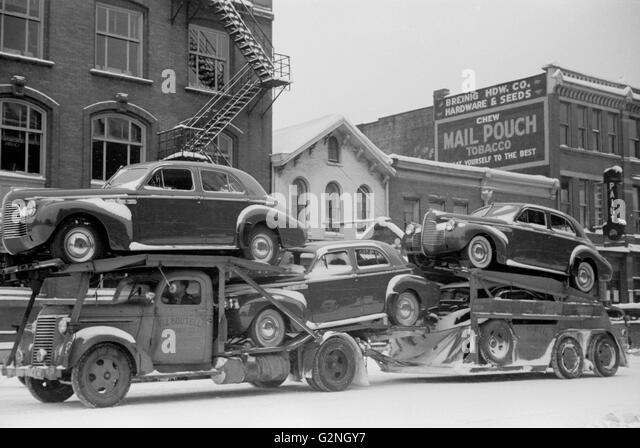 Auto Transport, Chillicothe, Ohio, USA, Arthur Rothstein for Farm Security Administration (FSA), February 1940 - Stock Image