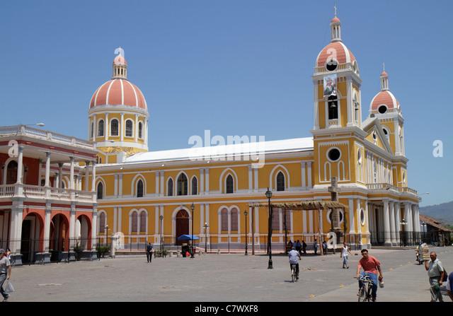 Nicaragua Granada Granada Square Avenida Guzman Central Park Parque Central colonial heritage historic district - Stock Image