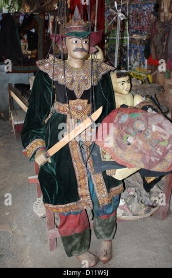Marionette dolls are pictured in Mandalay (Amarapura Township), Myanmar, 25 October 2012. Photo: Rolf Zimmermann - Stock-Bilder