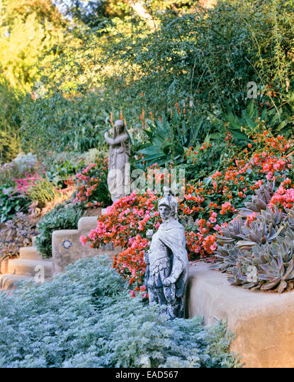 flowering desert garden with sculpture in Los Angeles - Stock-Bilder