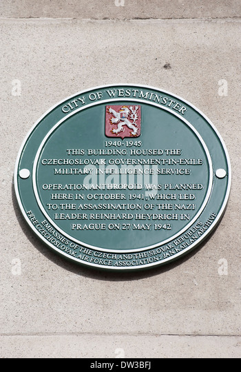 plaque marking the office of the military intelligence service of the czechoslovak goverment in exile during world - Stock-Bilder