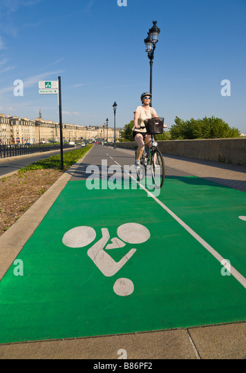 Cycle path, Bordeaux, Gironde, France - Stock Image