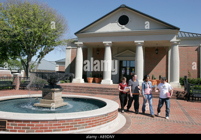Alabama Monroeville Alabama Southern Community College Learning Resources Center students library fountain - Stock Image