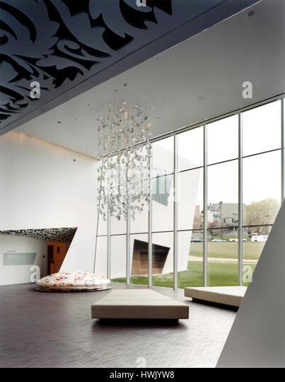 Interior foyer overlooking the park to the West. Walker Art Center, Minneapolis, United States. Architect: Herzog - Stock-Bilder