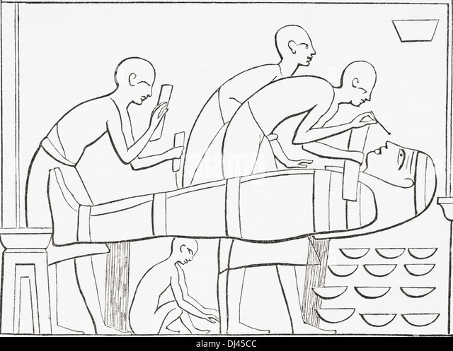 Ancient Egyptians painting the Cartonage or outer case of a mummy. - Stock-Bilder