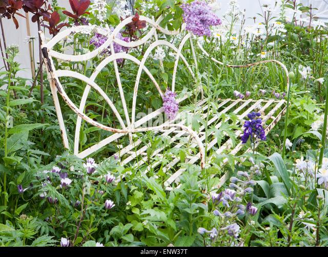 Rhs malvern show rhs malvern garden gardens the stock for Pip probert garden designer