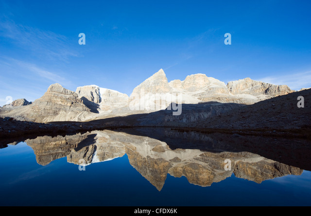 Reflection of mountains in Laguna de la Plaza, El Cocuy National Park, Colombia, South America - Stock Image