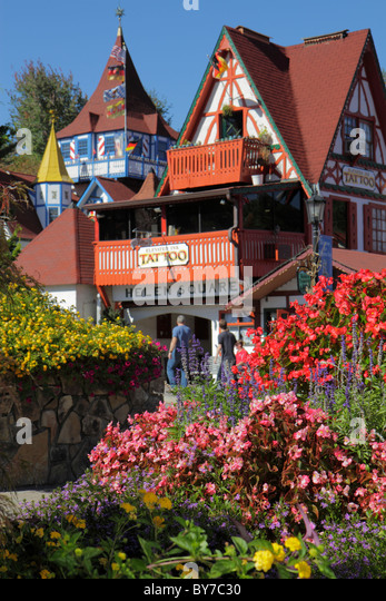 Georgia Helen German alpine village theme Octoberfest Oktoberfest ethnic festival Bavarian architecture plaza shops - Stock Image