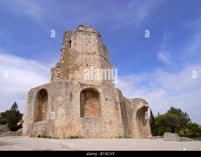Magne stock photos magne stock images alamy - Tour magne nimes ...