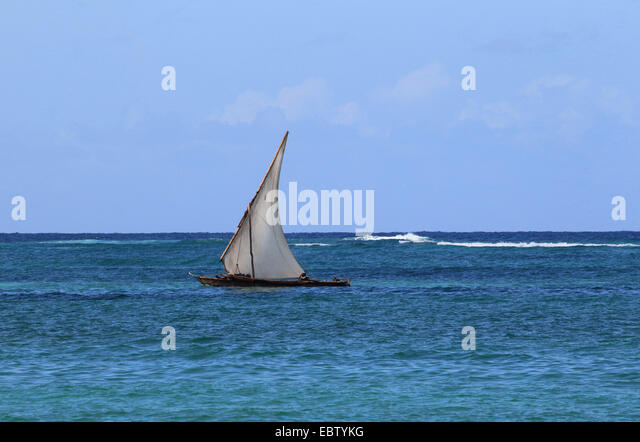 dhow sailing on Indian Ocean, Tanzania, Sansibar - Stock Image