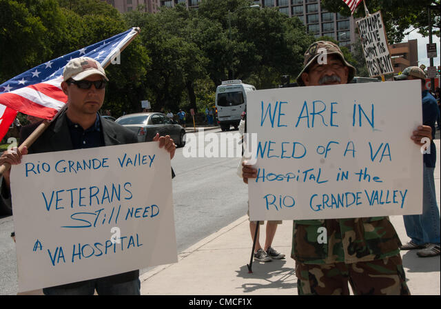 17 July 2012 San Antonio, Texas, USA - Veterans from the Last Patrol, a veterans' group, protest at a fundraiser - Stock Image
