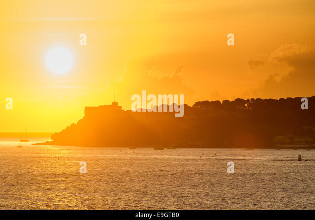 Sunrise over the Mediterranean Sea in Cannes, France - Stock Image