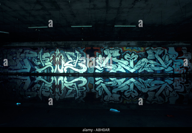 reflection paper on graffiti It's no secret that some of the best art comes out of social turmoil and, in recent  years, nothing is a better reflection of this than the burgeoning.