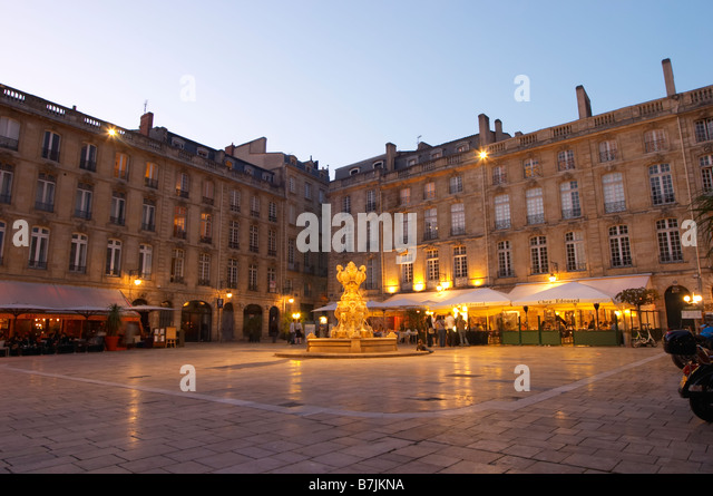 Place du parlement stock photos place du parlement stock for Aquitaine france cuisine